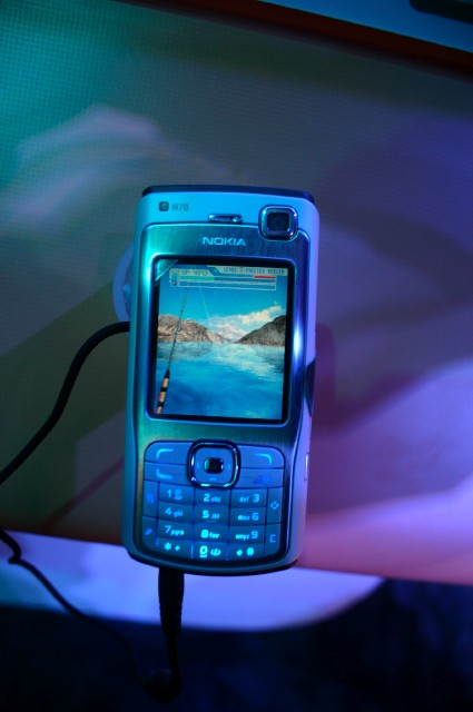 Hooked On: Creatures of the Deep, запущенная на N70 - смартфоне, под управлением Symbian 8