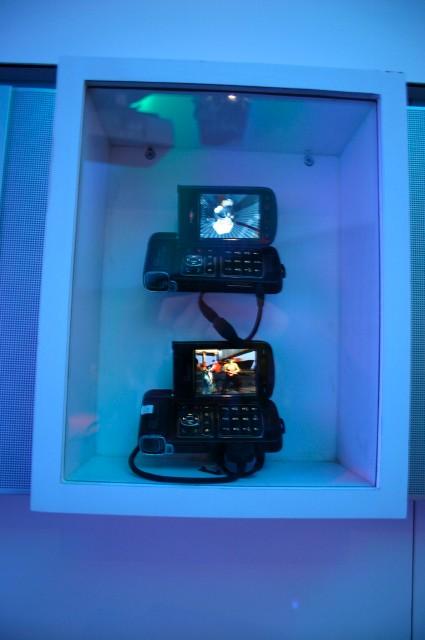 NokiaN93 и N93i (запущены System Rush Evolution (сверху) и ONE (снизу)